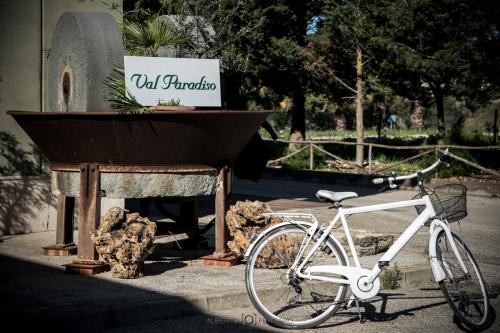 tour val paradiso 09