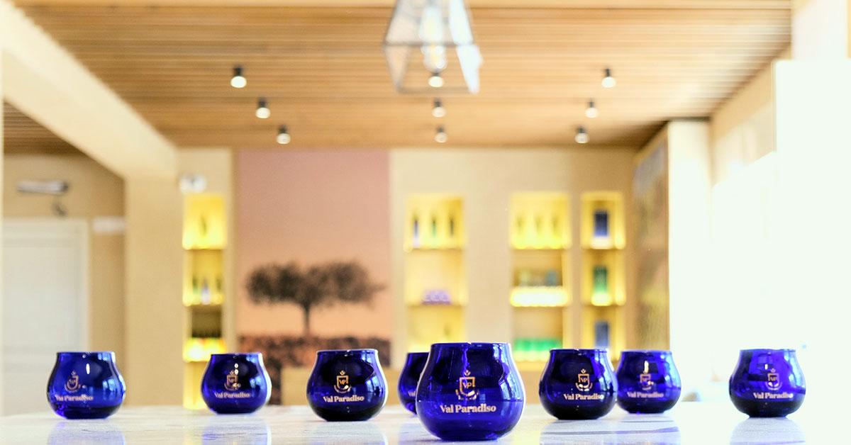 bicchieri blu val paradiso per degustazione olio